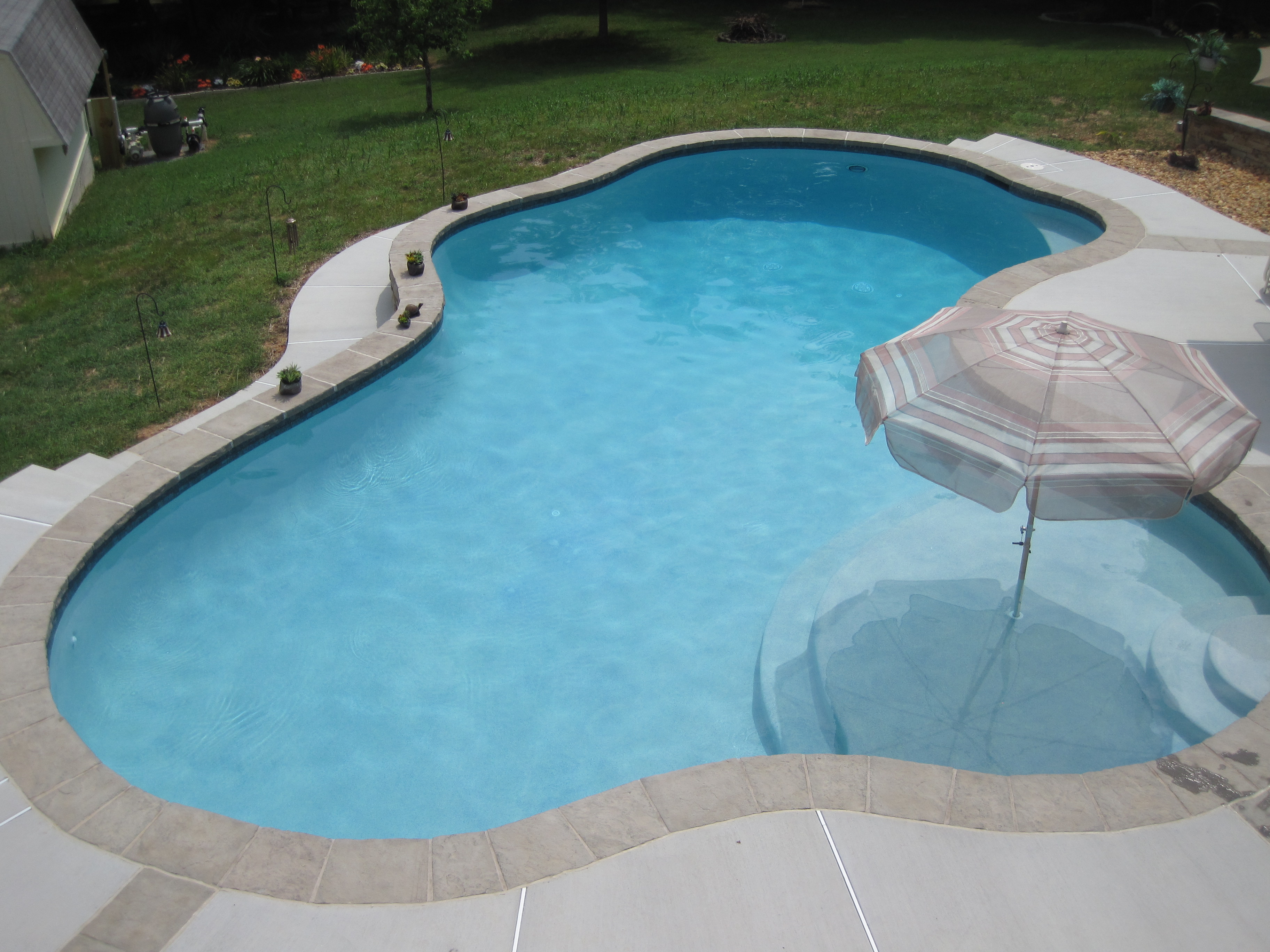 Swimming Pool With Raised Reverse Bond Beams The Pool Company Construction